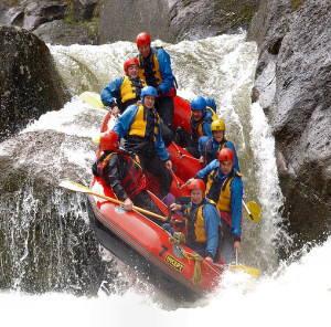 w46-whitewater-rafting-action-300
